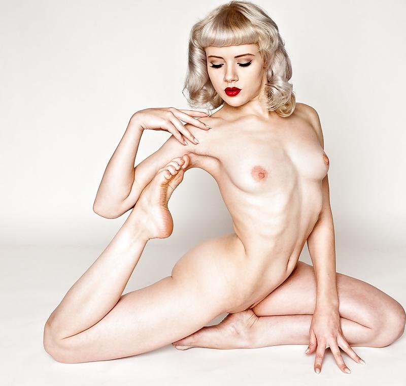 Model mosh pussy
