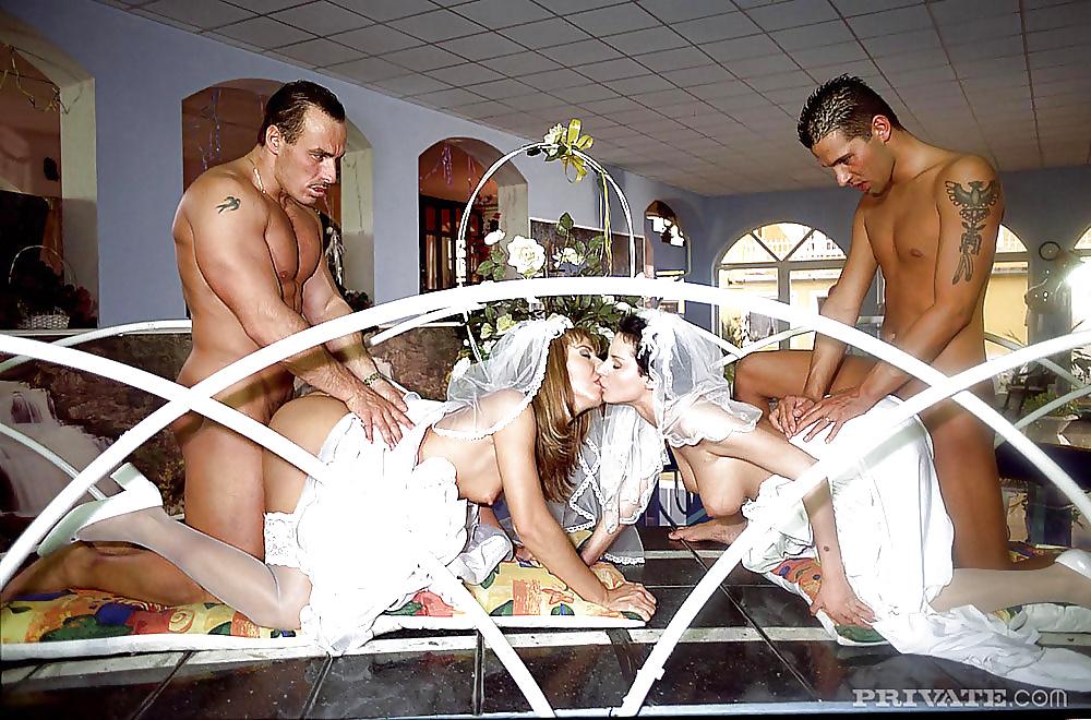Фото групповая оргия на свадьбе худенькую попку