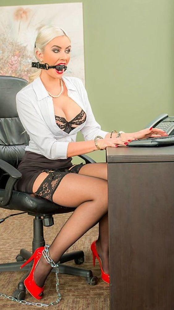 Секретарша сексуальная рабыня — pic 1