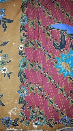cum on wifes lungi textil motif batik ayu