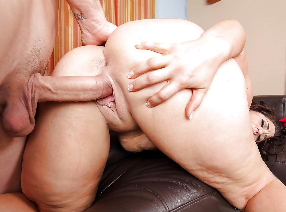 Huge bbw ass riding cock