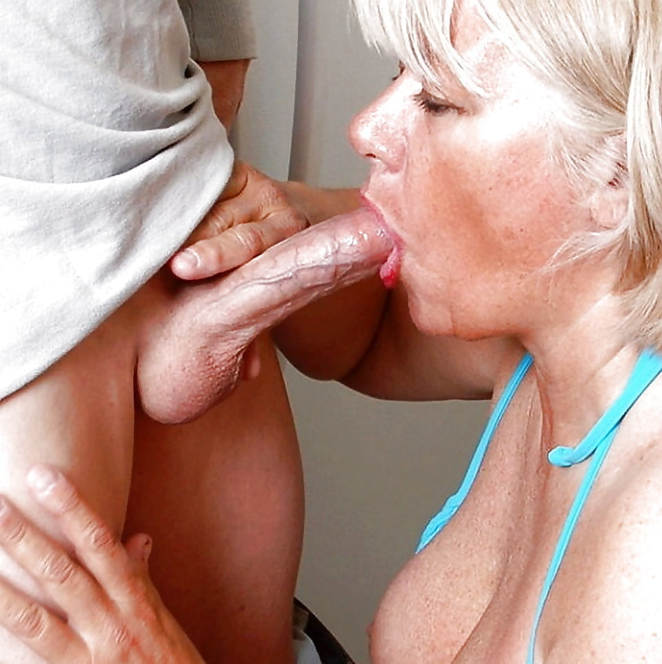 Old mature double blowjob