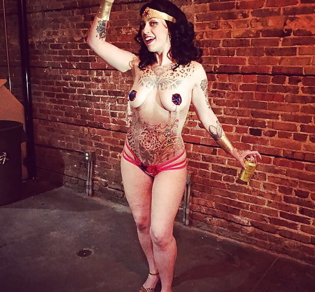 Danielle colby cushman naked pictures 8