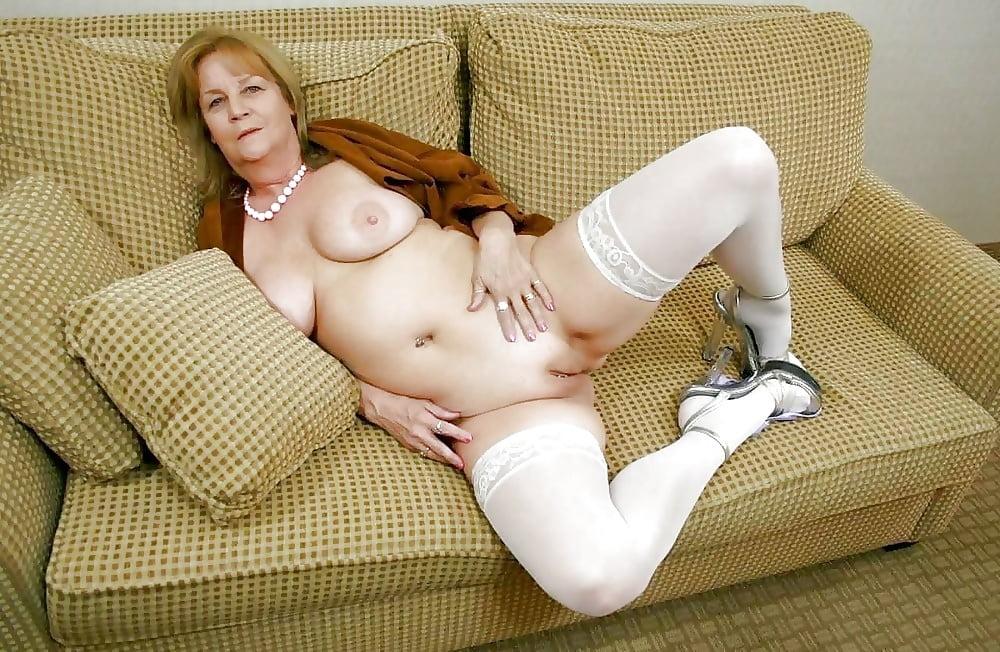Bbw girl nude in socks — img 7
