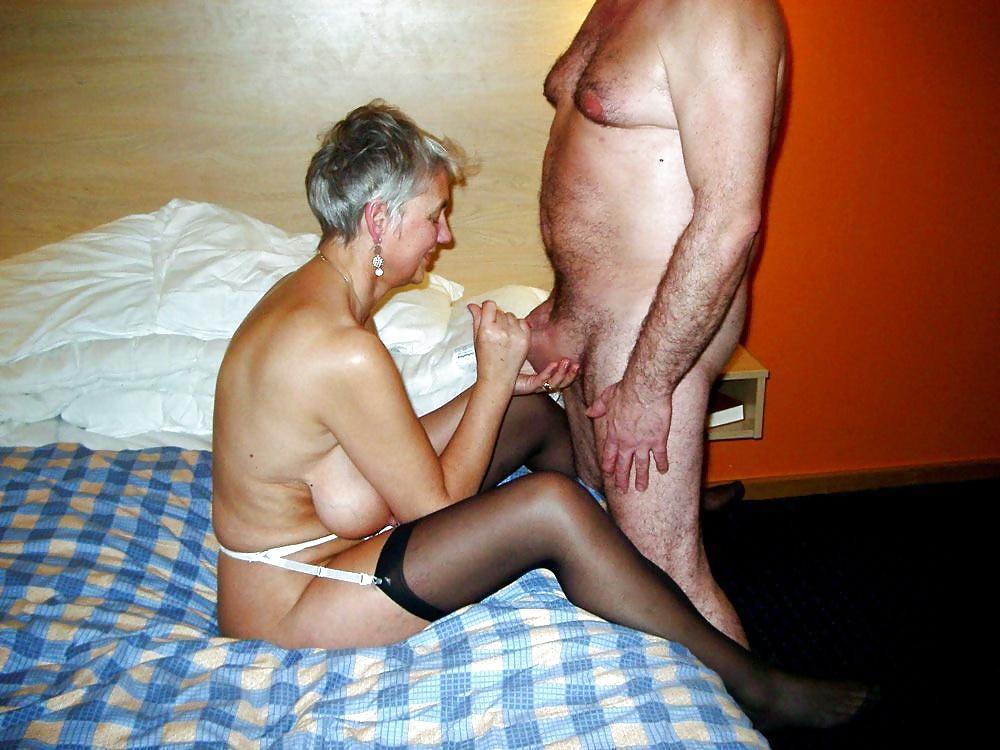 Вопрос сесологу почему пожилые дамы любят ебаться в попу