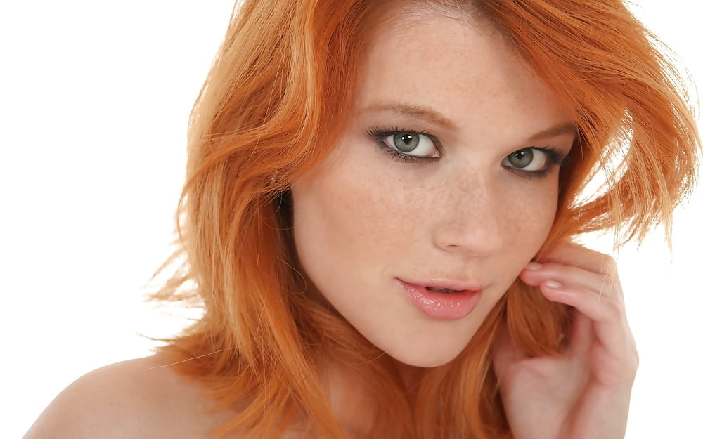 Sexy redhead faces — photo 3
