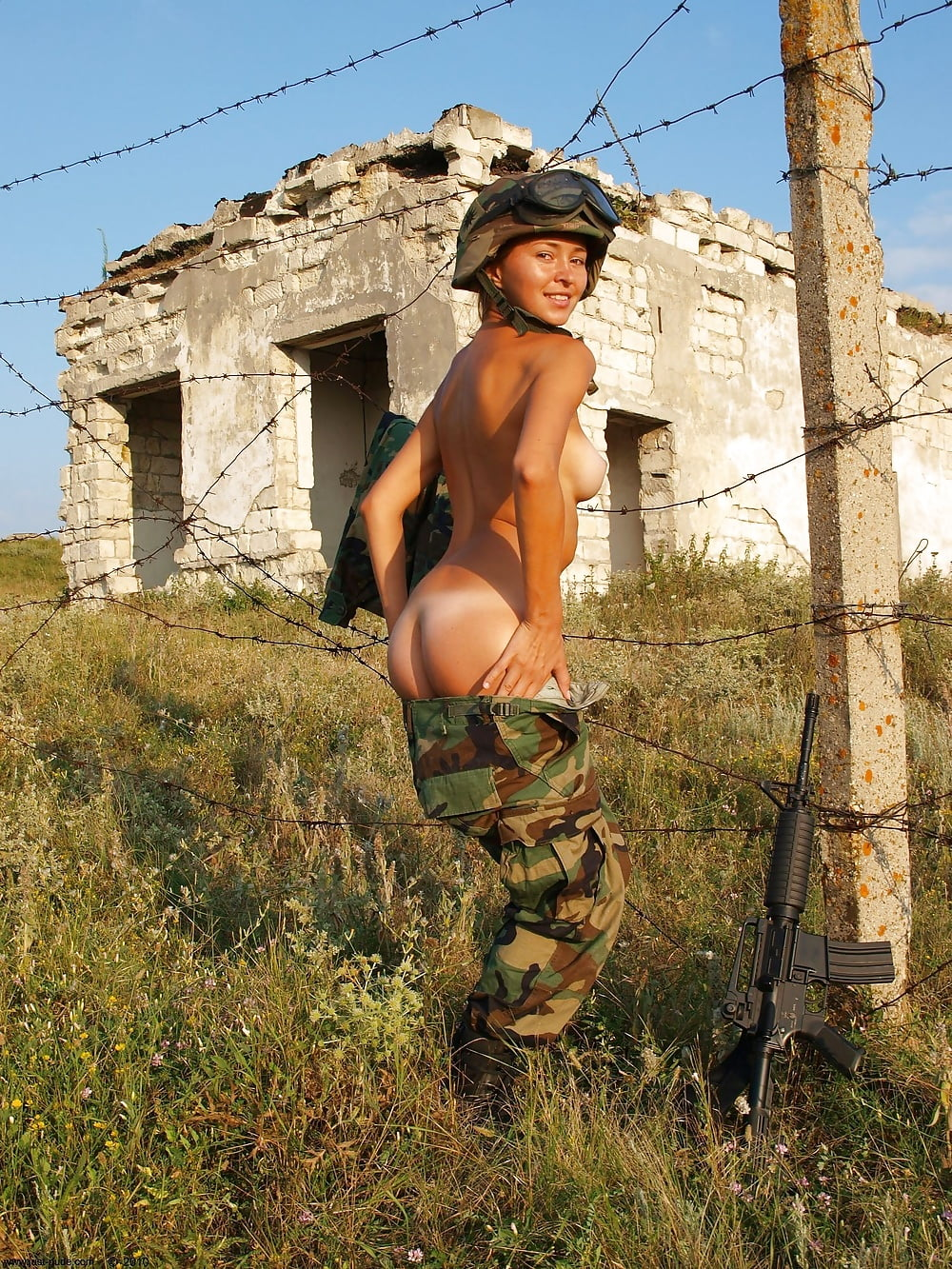 nude-for-military