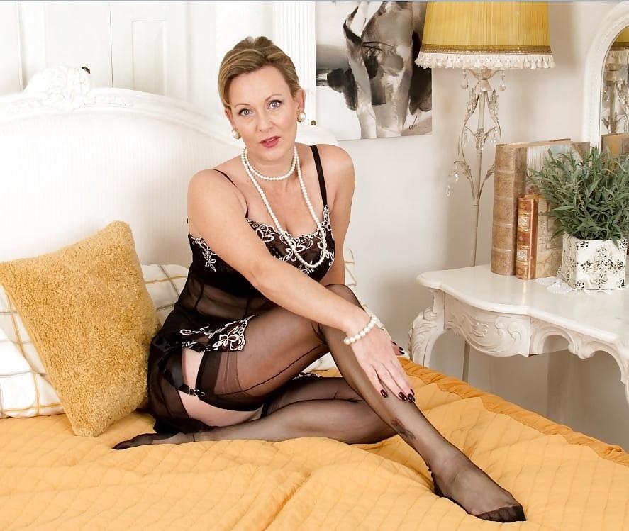 British milf stocking porn