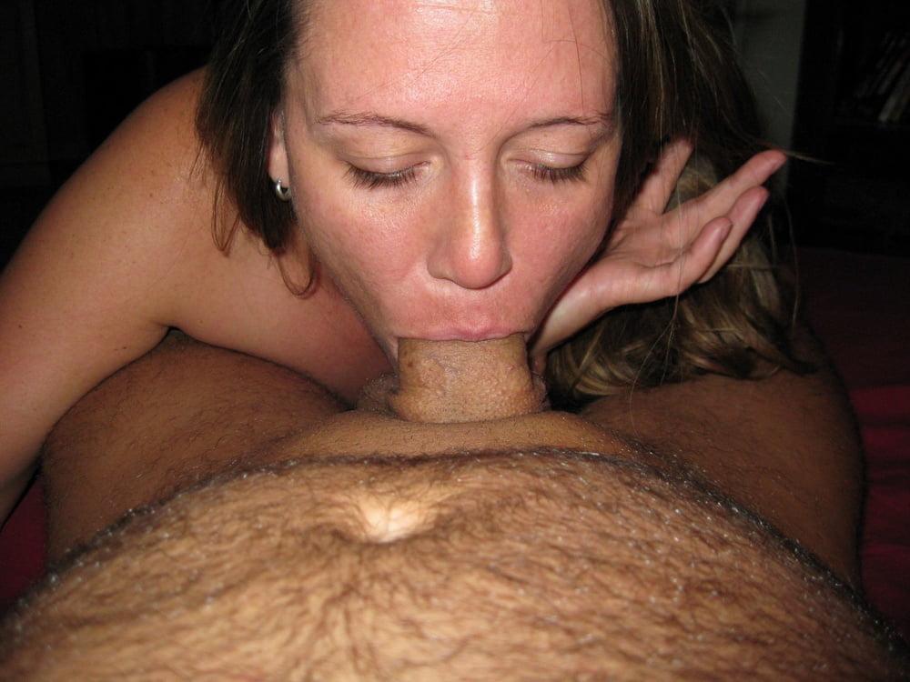 Mature women sucking penis