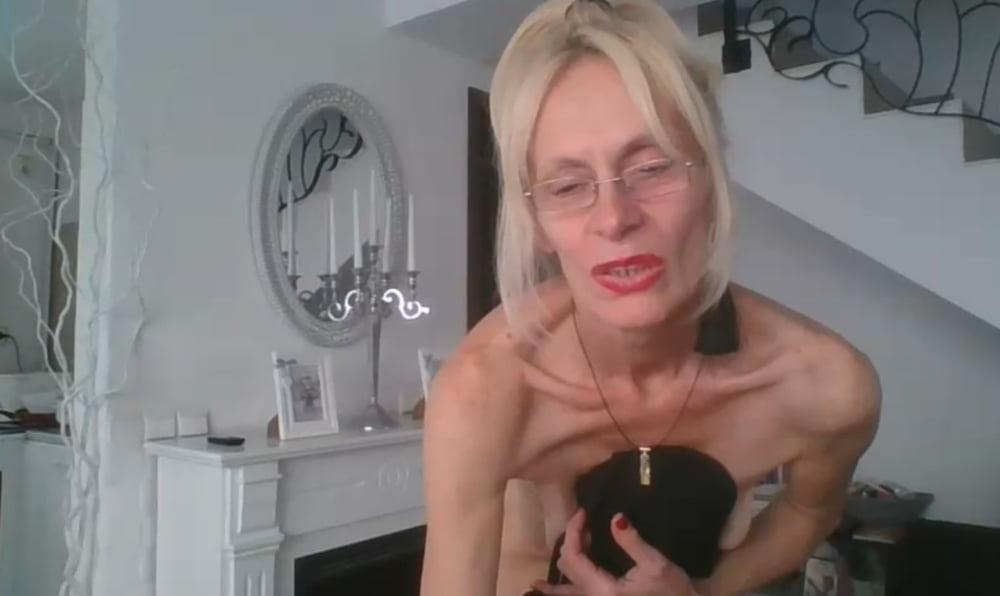 Skinny black girl webcam
