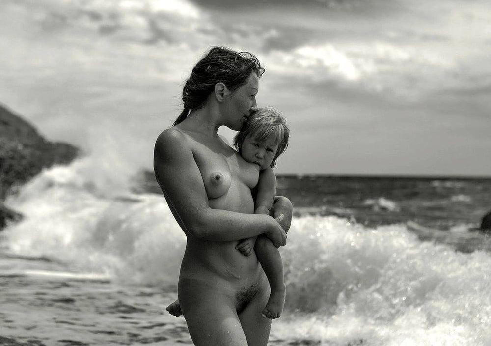 Midget racing mom son naked portrait girls taking