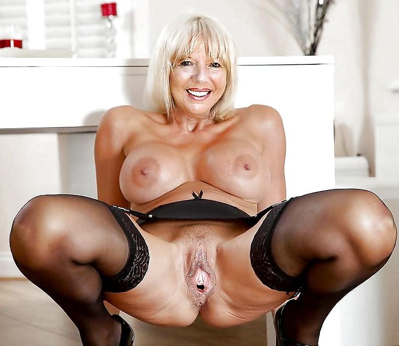 Mature porn model jayne — pic 1