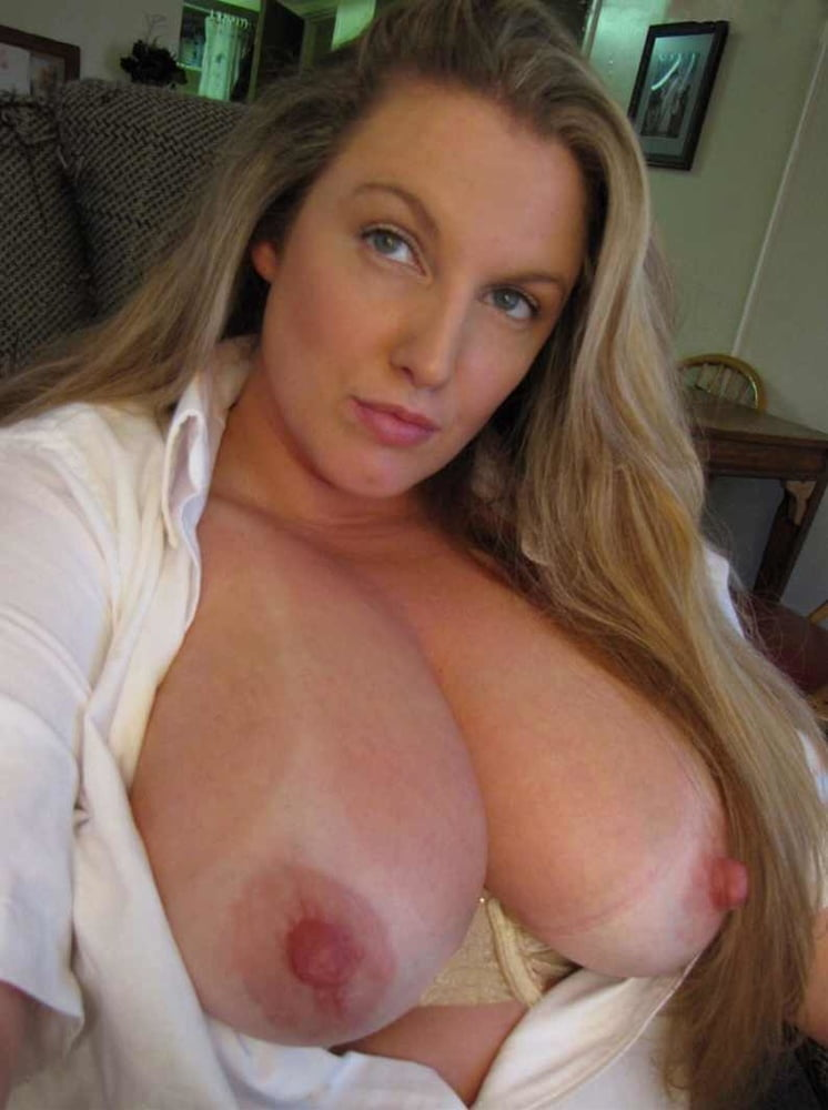 Girls with big natural tits