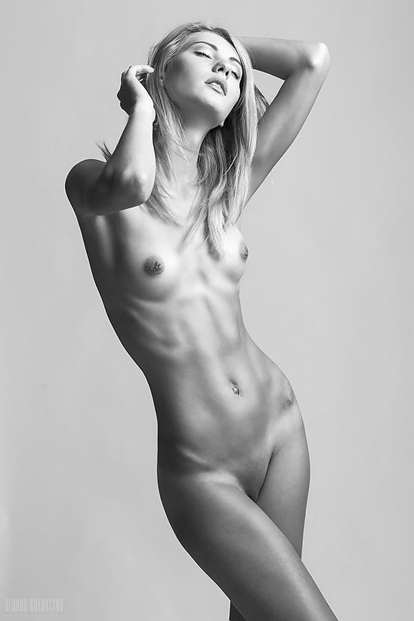 худенькие девушки эротические фото