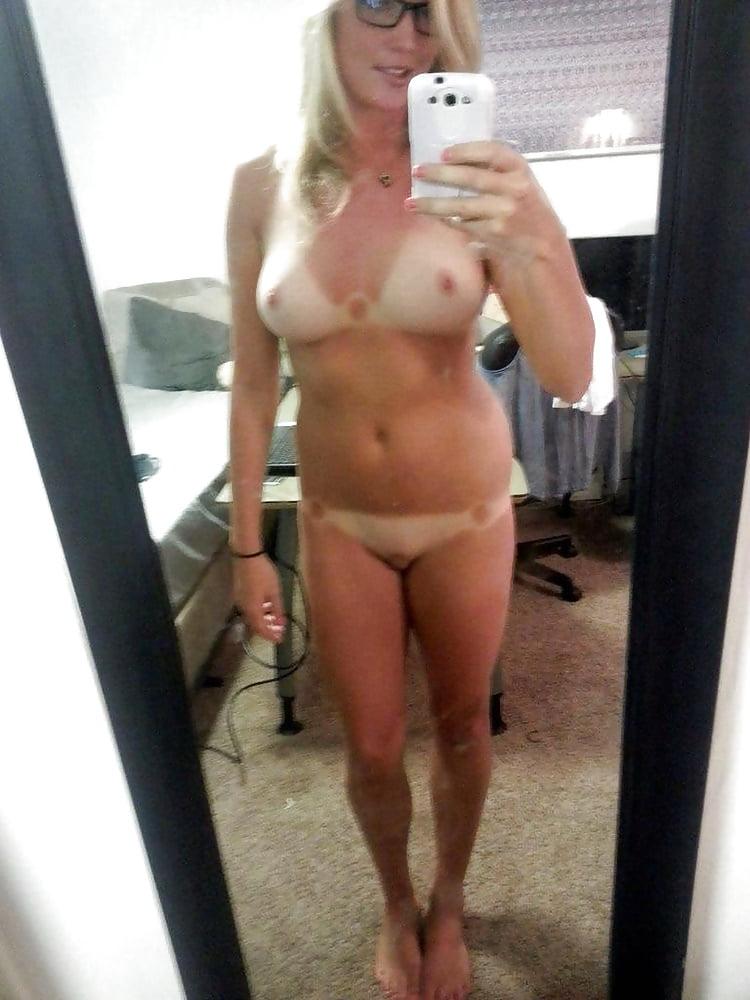 fucking-image-mom-nude-selfie-fail-all