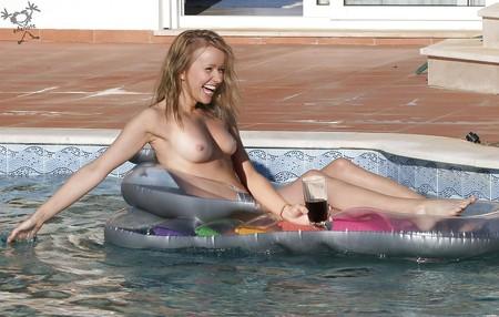 Sammy Winward Nude