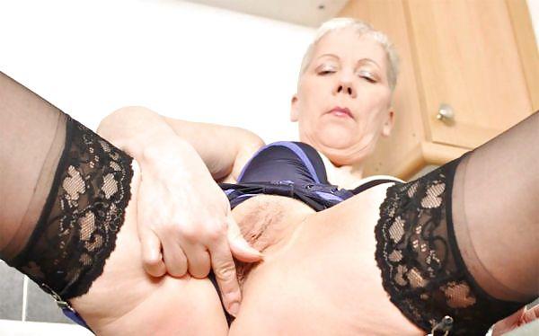 Older women mastabating-4853