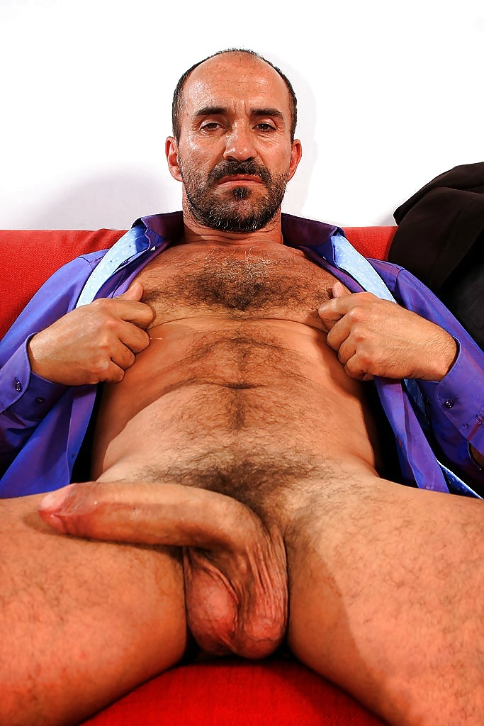 Nude hairy uncle 1