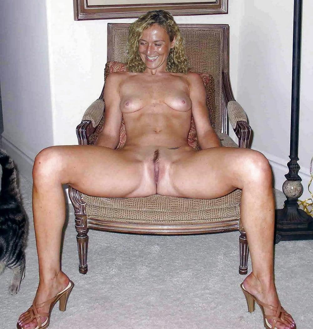 lepe gole devojke