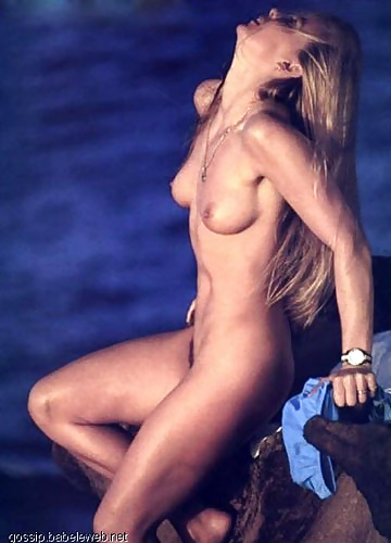 Superstar Nude Surfer Girls Pic