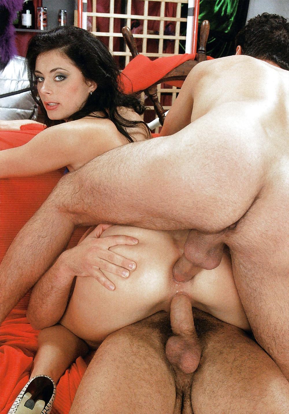 penetrating-nude-women