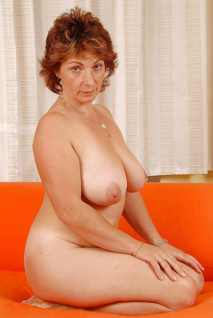 Зрелая женщины молодыйы — 12