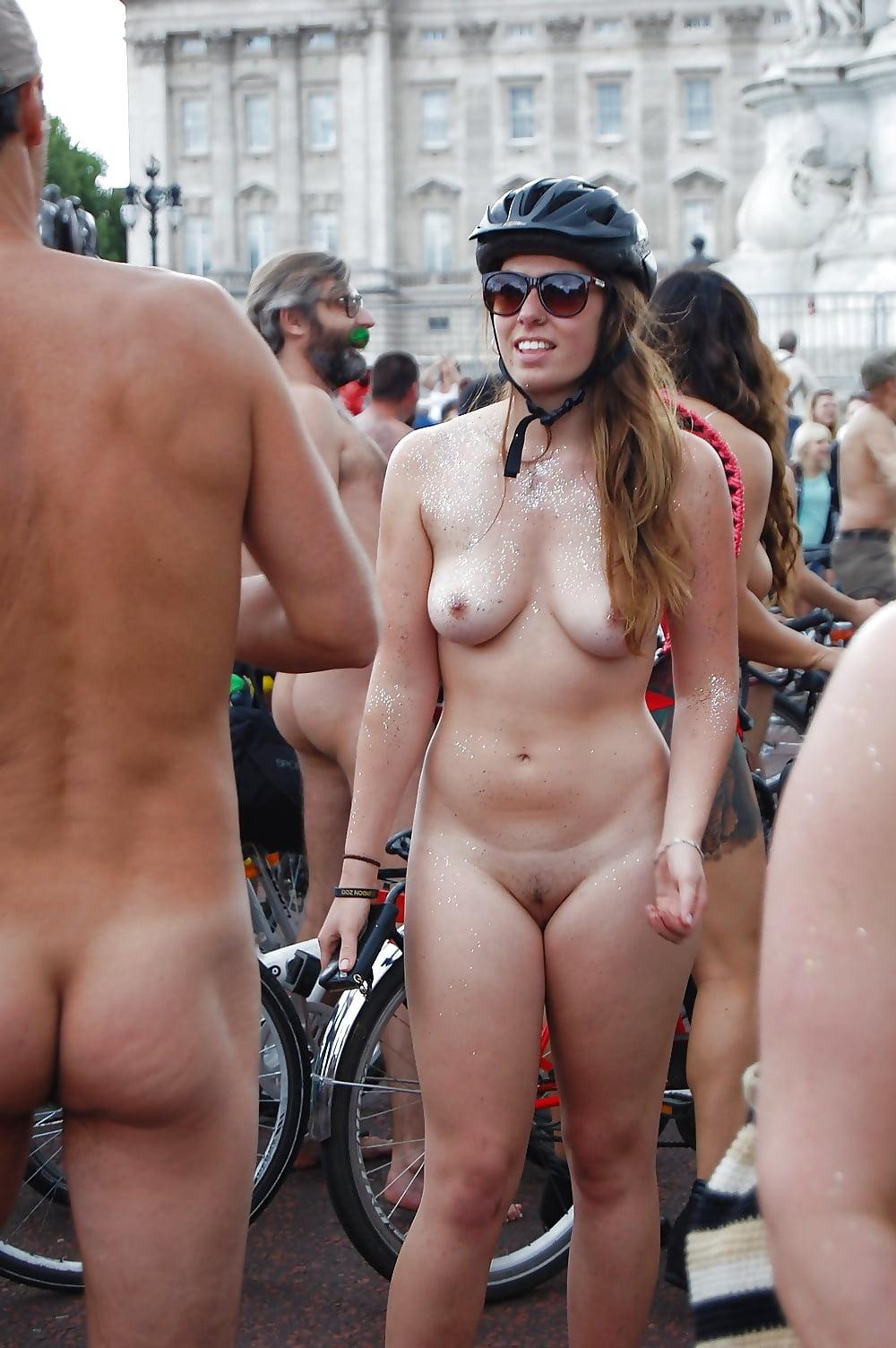 World Naked Bike Ride - 99 Fotos - Xhamstercom-9931