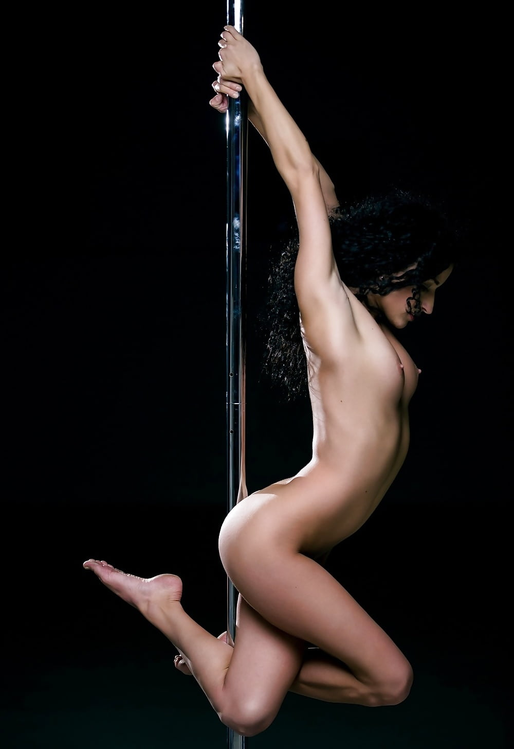 Hottest nude pole dancers who