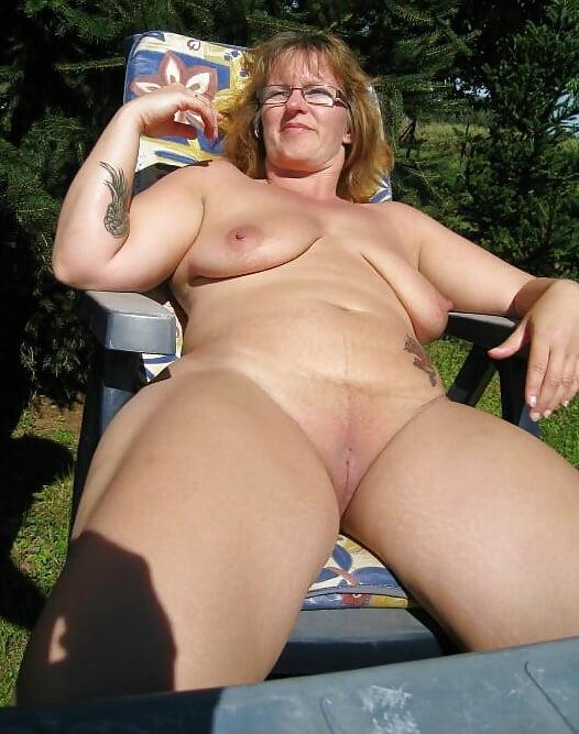 Pictures of nude mature ladies