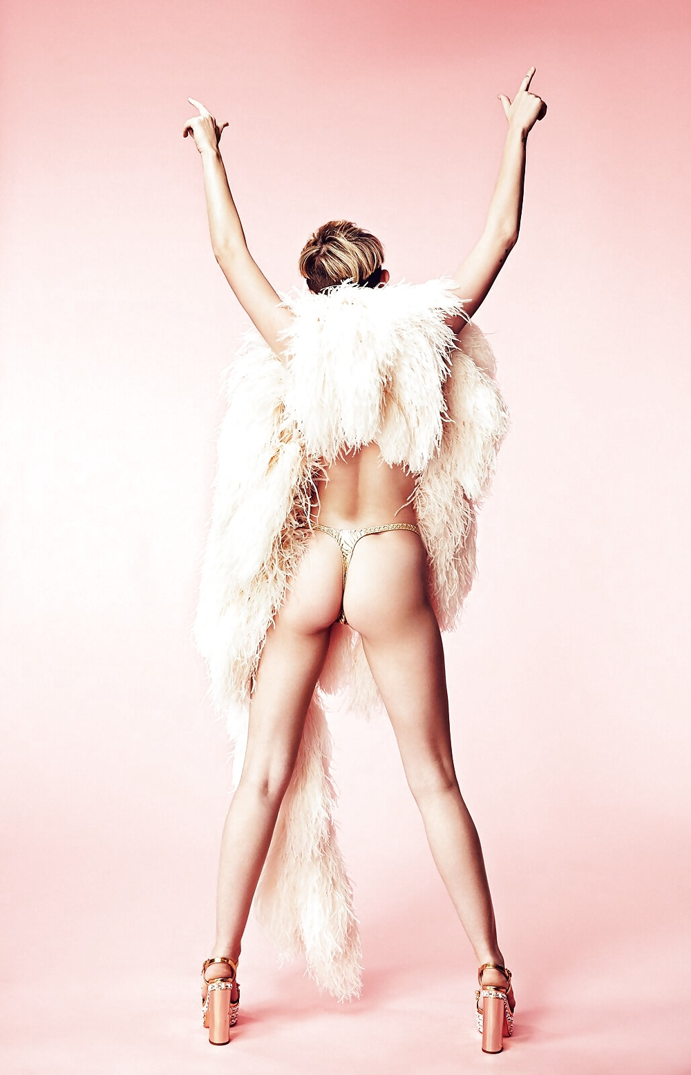 miley-cyrus-feet-and-ass-naked-sportgirls-nude