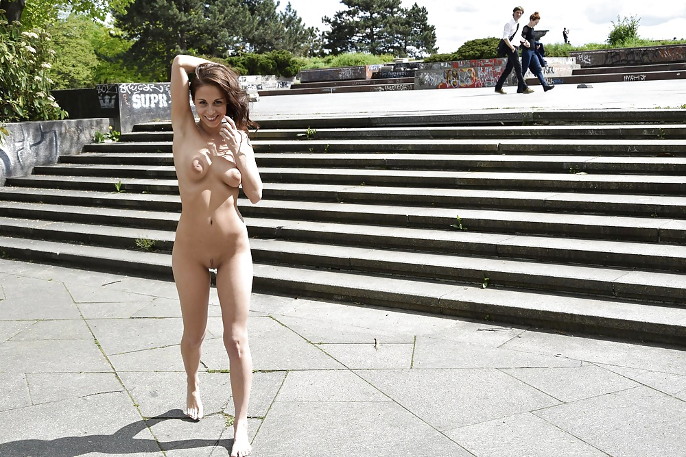 Full frontal nude in public, sexiest cosplay women nudes