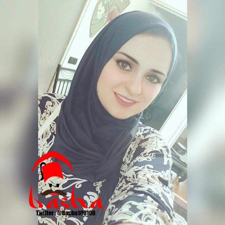 Hijab whore- 11 Pics
