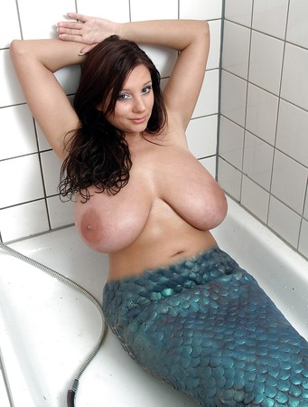 exquisite big tits natural curvy german mermaid bbw