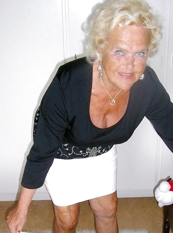 Фото старых дряблых шлюх, сама сняла свою мастурбацию