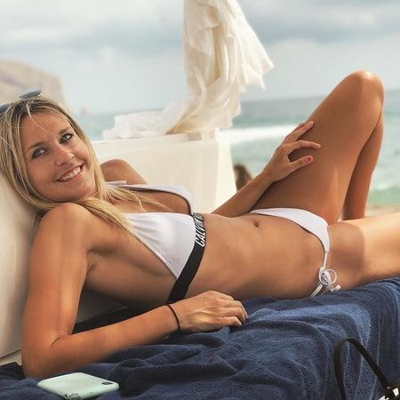 Lena Goeßling Bikini