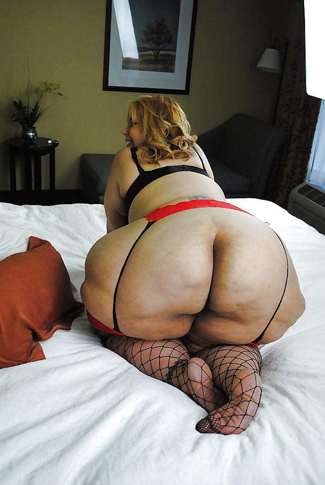 Light skin fat ass legging porn pics 7
