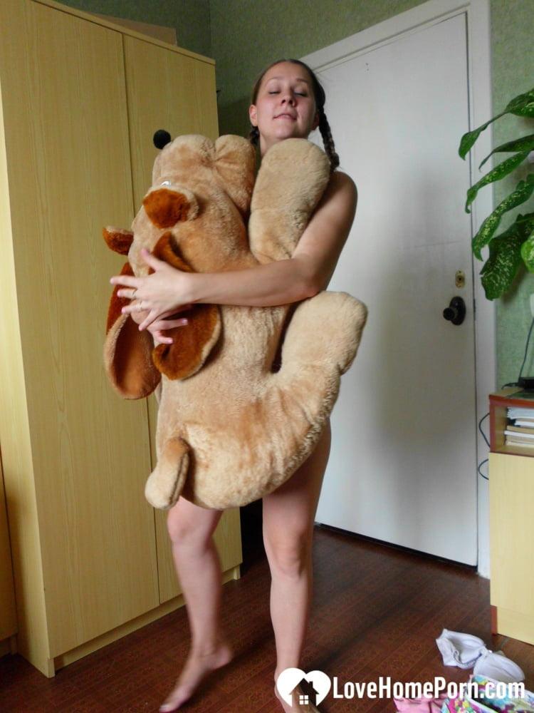 Horny girlfriend humps a big dog plushie - 126 Pics