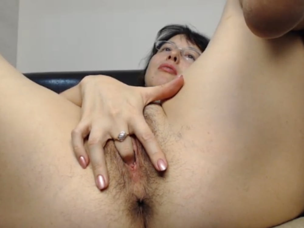 Amateur milf plays with toy on webcam-4408