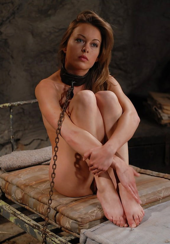 young-free-sexy-girl-in-chains-naked-cunts-all-nude