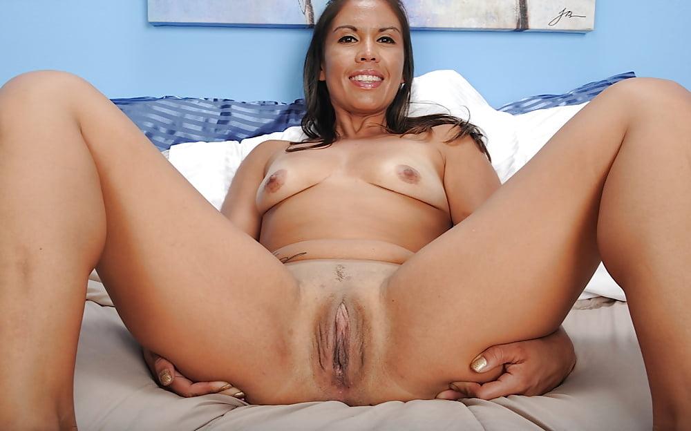 Жена пизда зрелой латинки скрытую