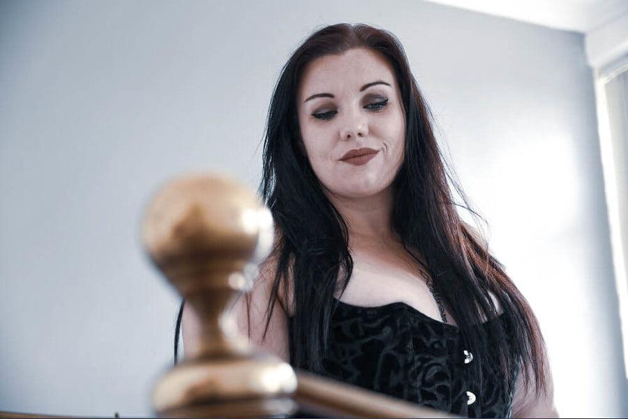Bella, sexy UK Chunky Slut