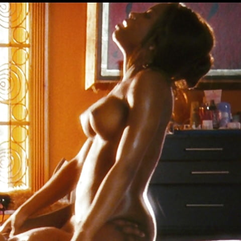 Sex scene in notorious naked — pic 14