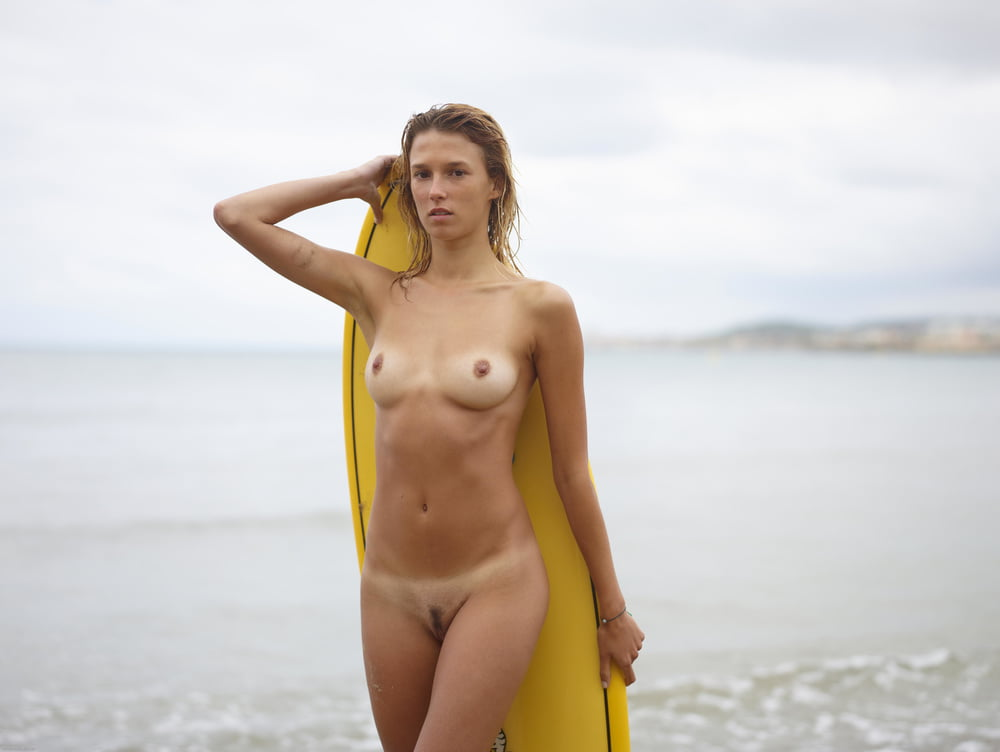 Онлайн эротическое фото беата серфинг рот