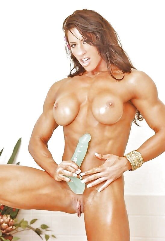 Mature Female Bodybuilder Dd Spreads And Masturbates Porn Images