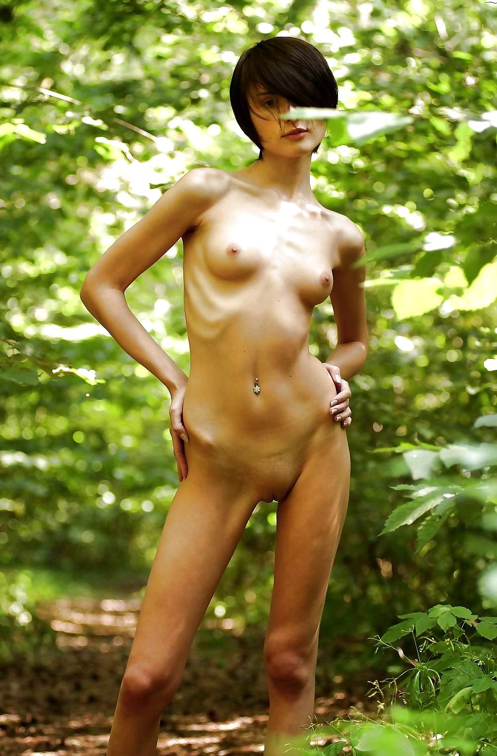 pictures-of-skinny-women-naked-little-pussy