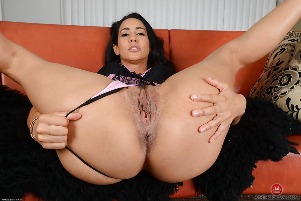 Naughty Latina Amateur Spreads Her Tight Wet Pussy Lips Free Sex Pics
