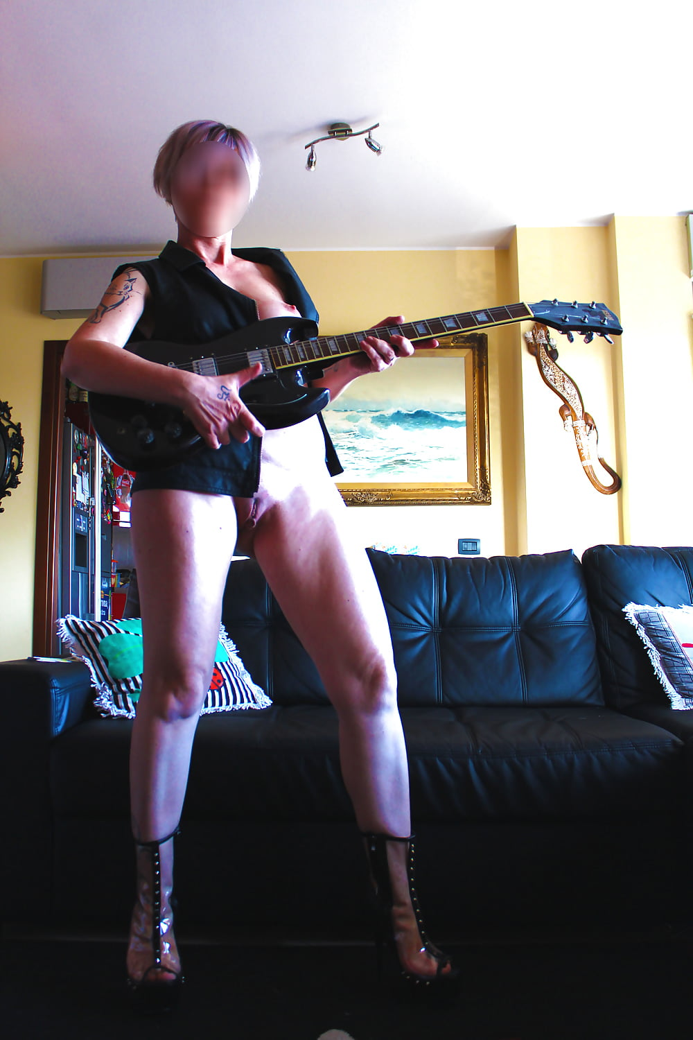 Izi guitar lesson turned into anal lesson - 2 part 7