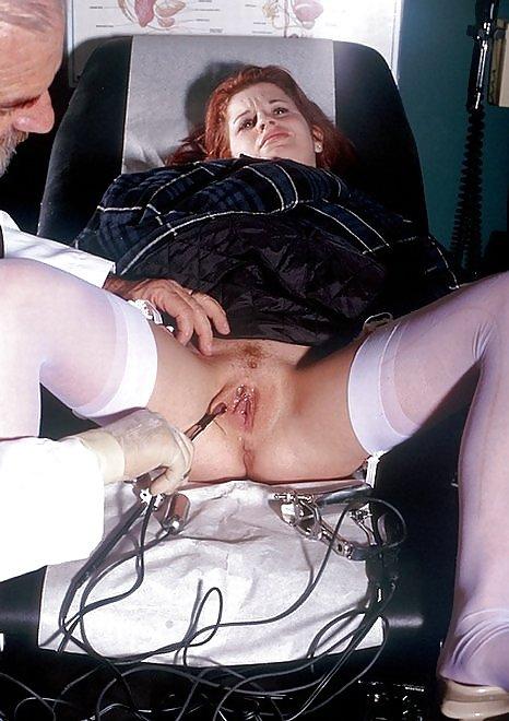 Сексуальные случаи из жизни, баба трахает себя бутылкой видео