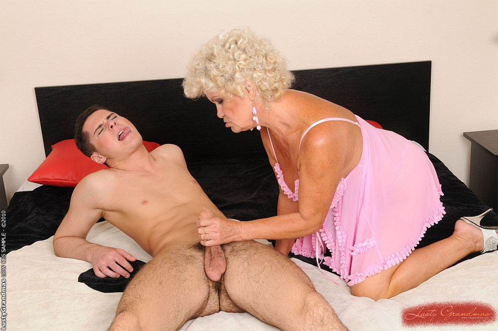 Mature Ladies Fuck Young Guy, Free Guys Fucking Porn Photo