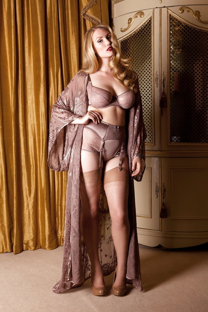 Mature models pictures — photo 5
